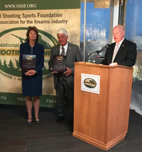 Senator Lisa Murkowski (R-Alaska) and Rep. Rob Bishop (R-Utah) accept the 2016 Legislator of the Year awards.